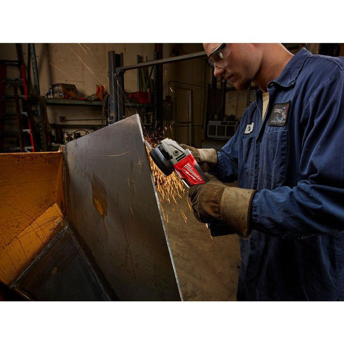 "Polishing metal with Milwaukee M18 FUEL™ 5"" Grinder"