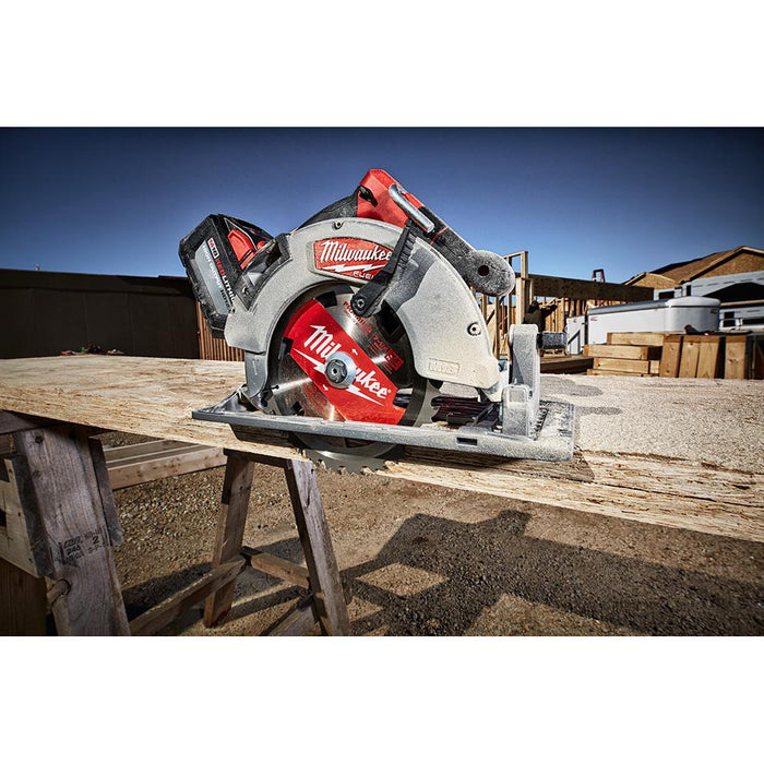 "Milwaukee M18 FUEL™ 7-1/4"" Circular Saw for the professional"