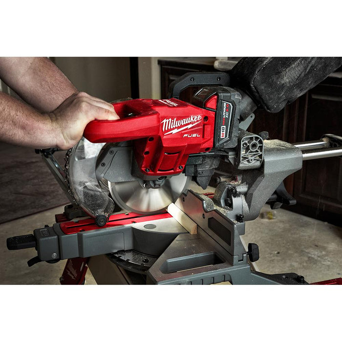 "Cutting wood molding with Milwaukee M18 FUEL™ 7-1/4"" Dual Bevel Compound Miter Saw"