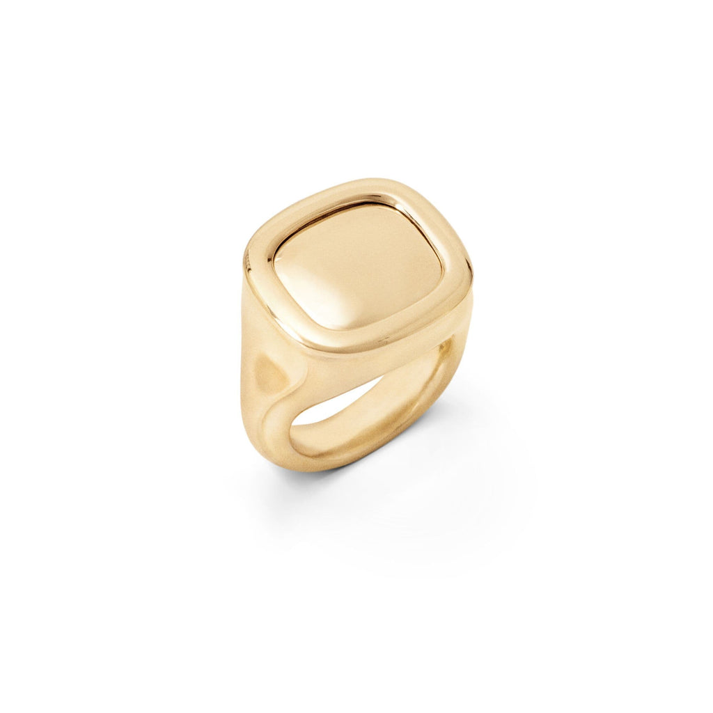 Cushion 18kt Trophy Ring
