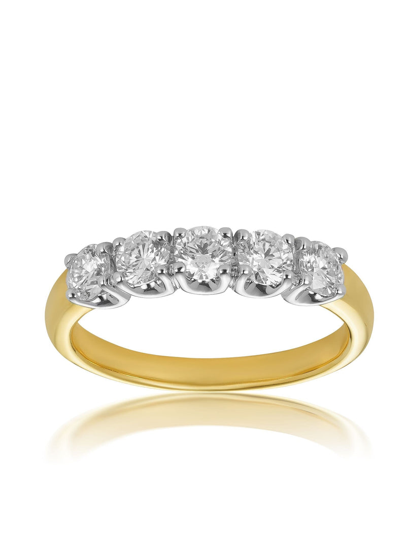 Round Brilliant & Princess Cut Diamond Band