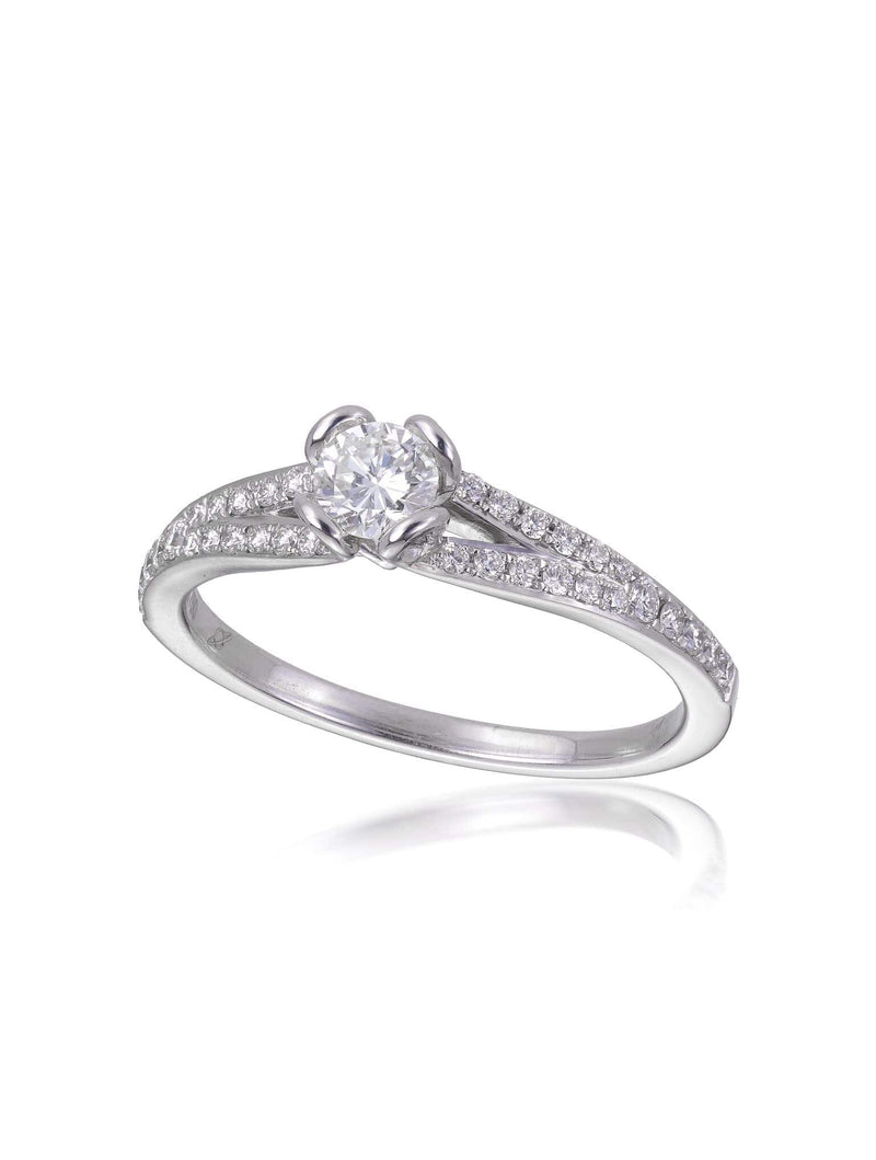 Signature Radiant Cut Diamond Engagement Ring