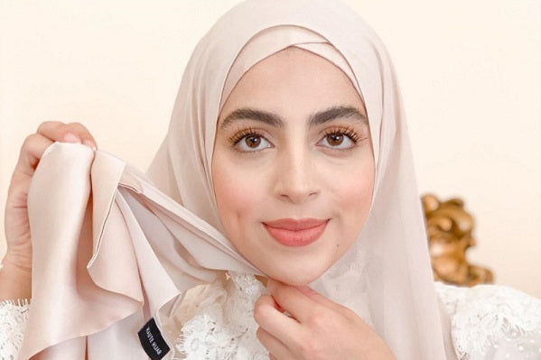 How to Style Our New Deco Hijab Collection in 6 Easy Steps!