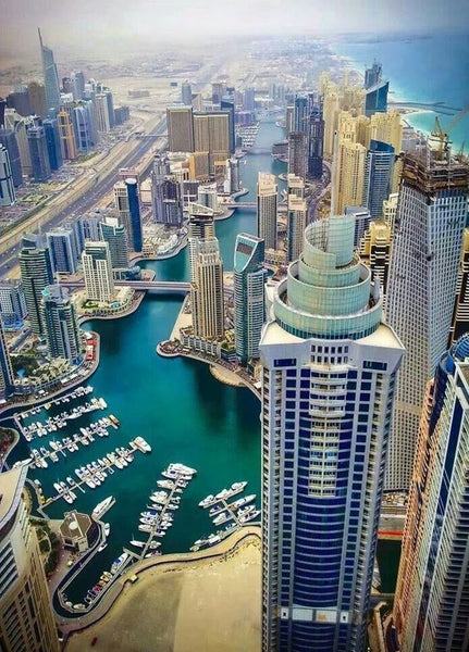 Pros and Cons of Moving to Dubai: A Muslim American Perspective