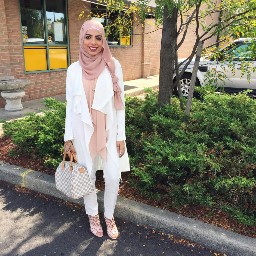 Heba Jay Spotted Photo HH Spotted Club Haute Hijab HH Essentials Viscose Wrap Blush