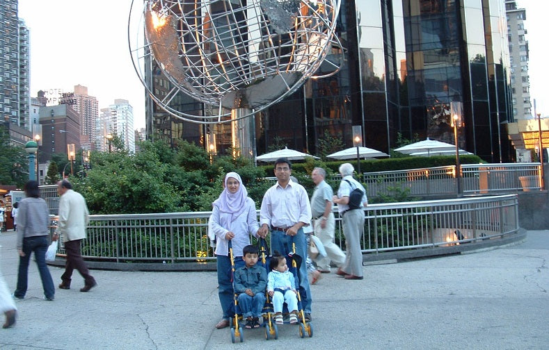 Dilshad Ali, Taruj and their kids in New York circa 2005