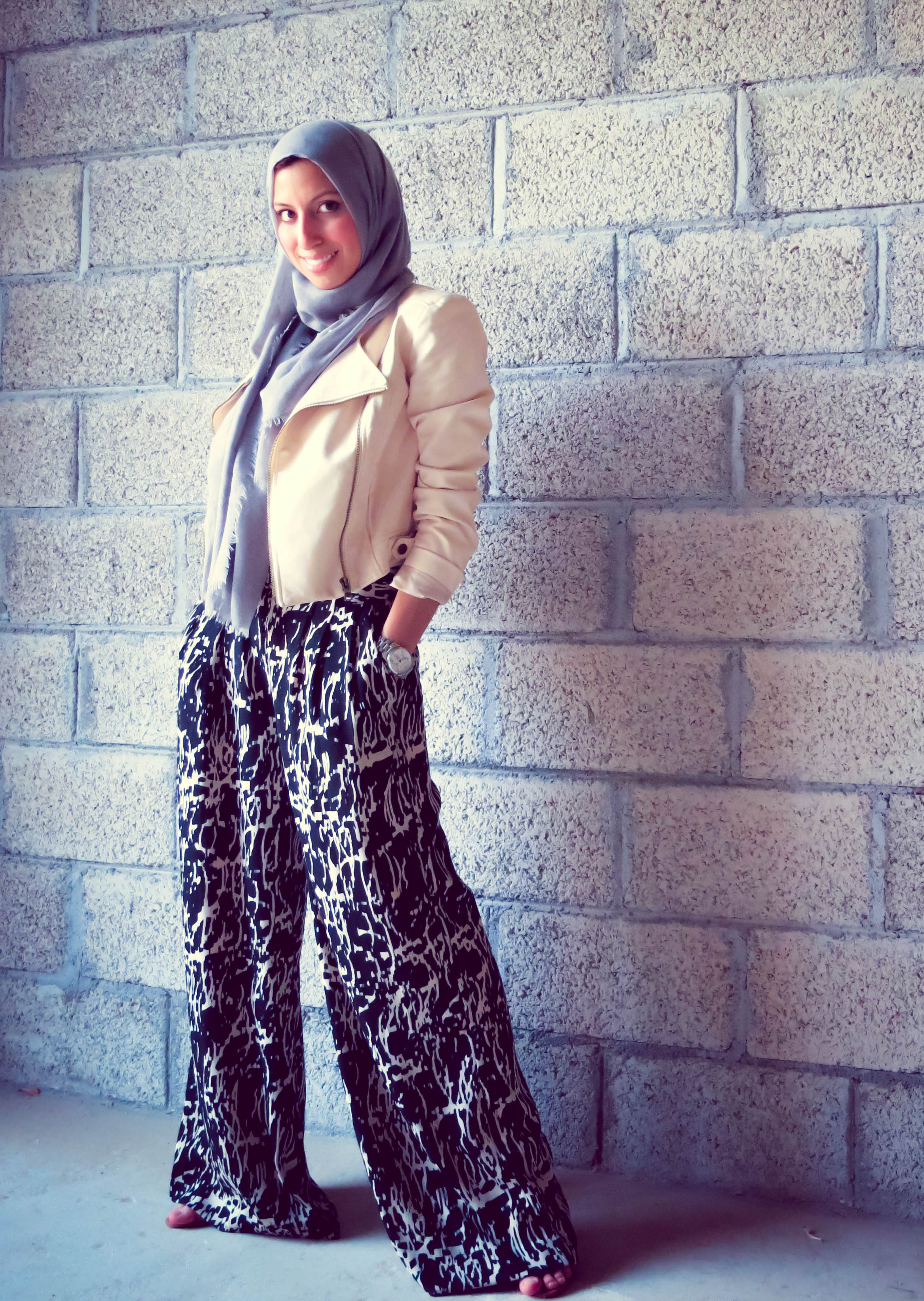 Leather jacket hijab - I Recently Scored This Blush Pink Biker Jacket And Knew The First Thing I Wanted To Pair It With Was My Palazzo Pants Along With Everything Else In My