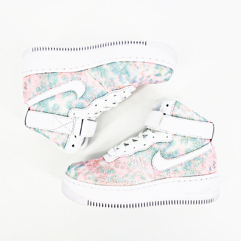 Nike Woman's AF1 Upstep High LX Air Force 1