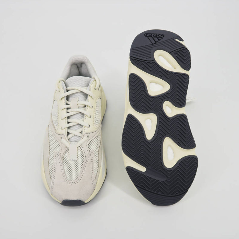 Yeezy Boost 700 'Analog' - Sachy's Closet