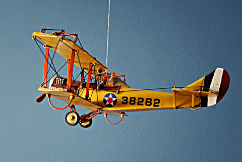"1918 YELLOW CURTISS ""JN-4"" 1:24-SCALE"