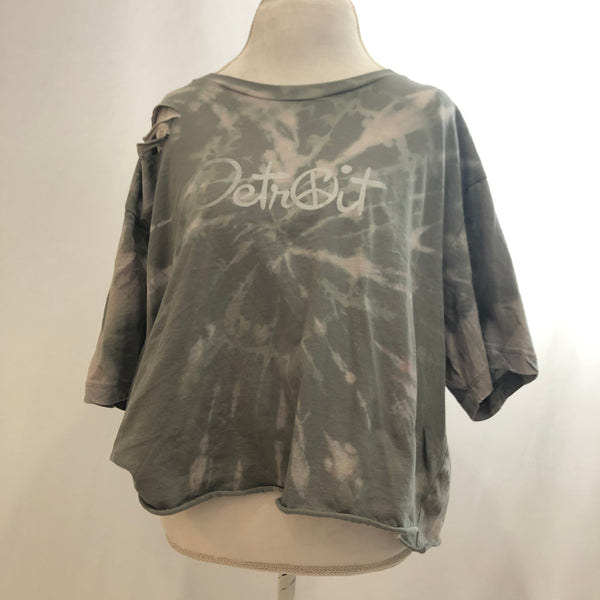 Women's Oversized Distressed Crop Peace Detroit t-shirt