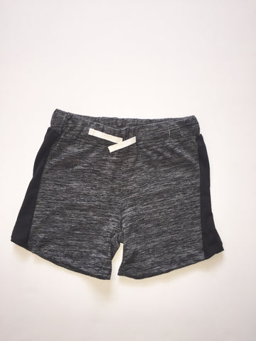 Black Yarn Short