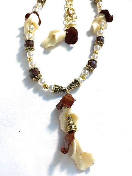 Coffee and Cream Tulip Necklace