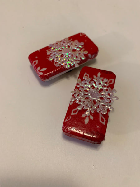 Red Snowflake Magnet Set