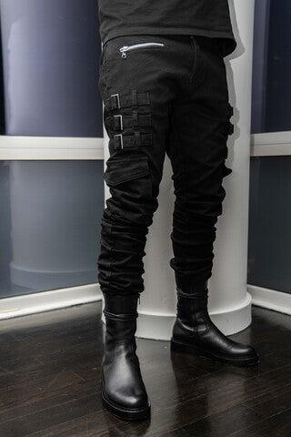 Best Black Stacked Jeans for Men outfit ideas with zipper