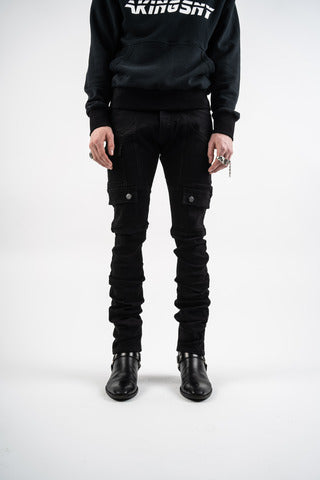 Streetwear outfit idea men black stacked pants and black pullover