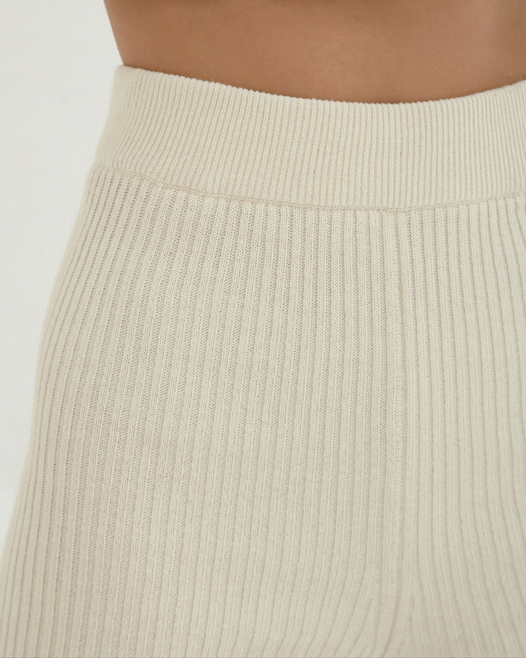 SHORT RIBBED PANT
