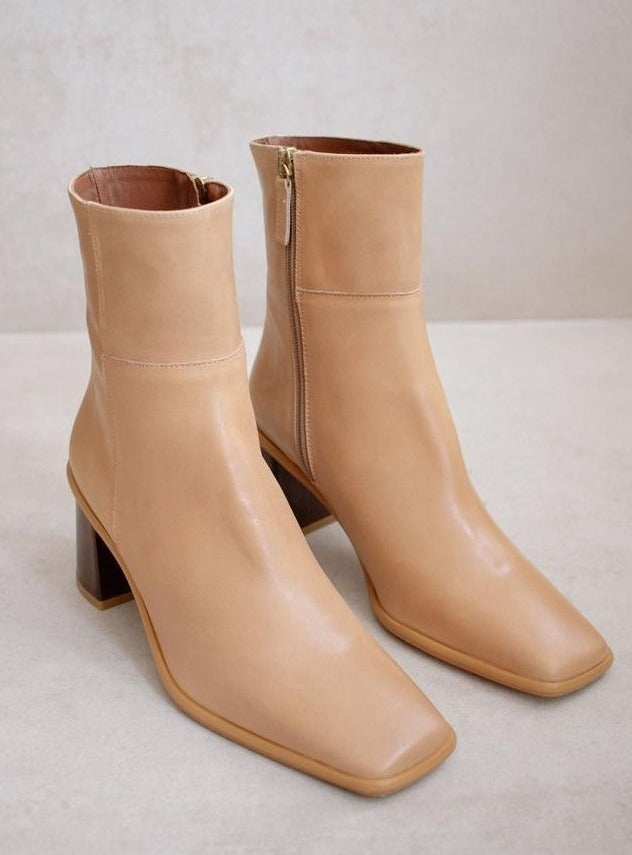 (SIZE 41) WEST BEIGE BOOT