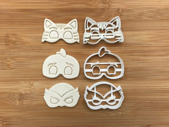 Pj 001  Uk Seller Plastic Biscuit Cookie Cutter Fondant Cake Decorating