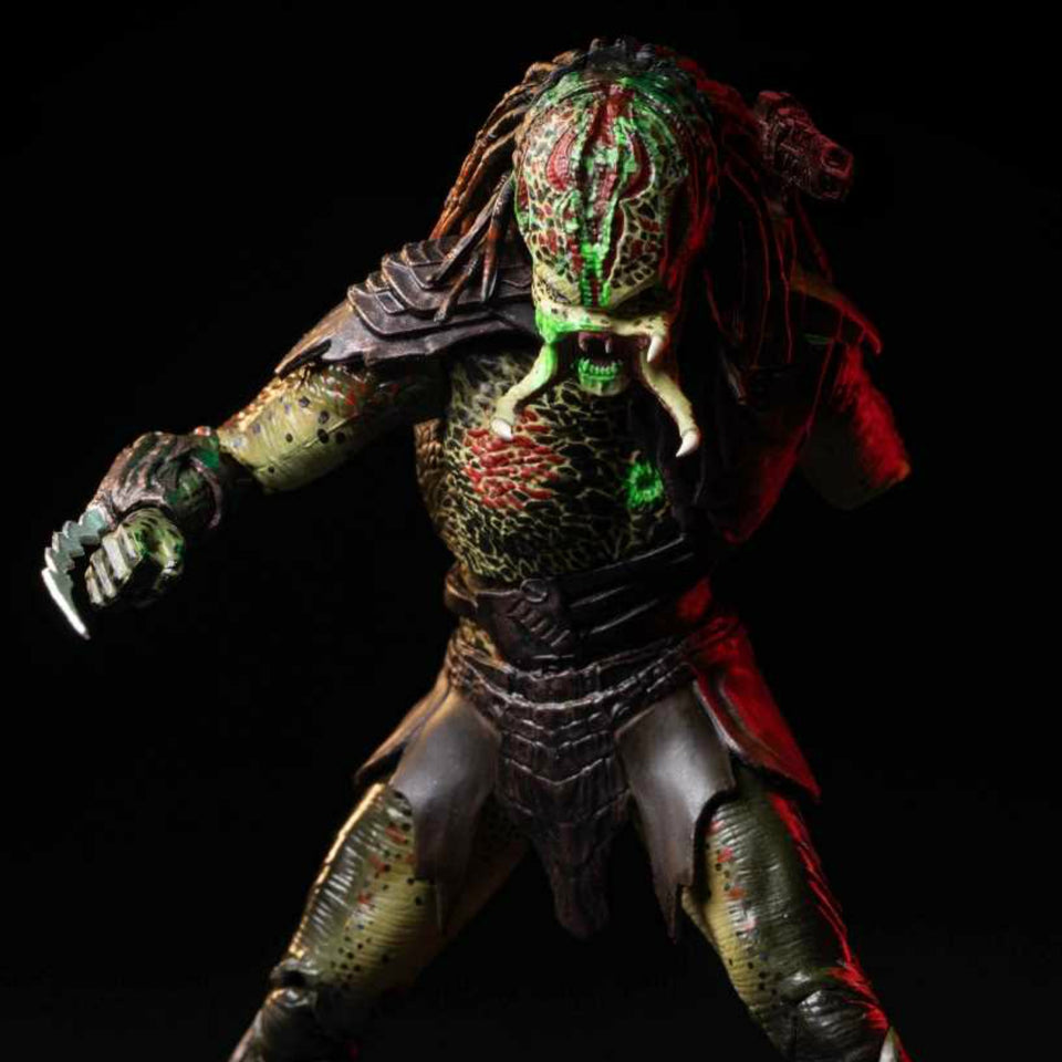 HIYA TOYS Previews Exclusive Predator Battle Damage Berserker Predator 1:18 Scale Action Figure PRE-ORDER