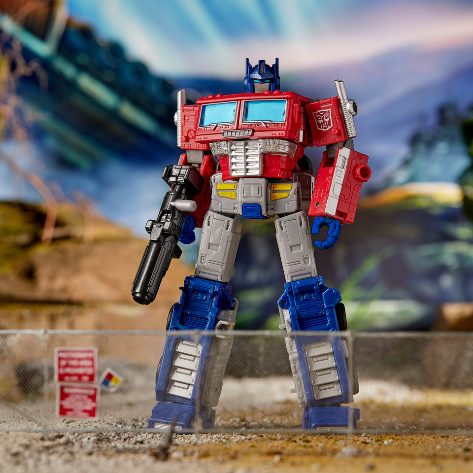 Transformers War for Cybertron Earthrise Leader Class WFC-E11 Optimus Prime Trailer Action Figure PRE-ORDER