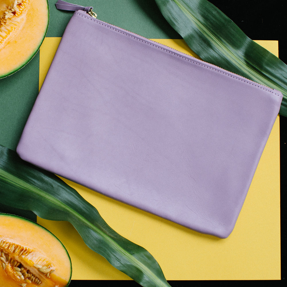 LILAC ZIPPER CLUTCH