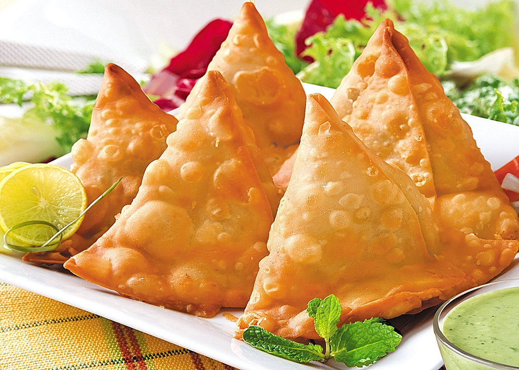 Fresh Indian ethnic Vegetable samosas (10 in a batch)