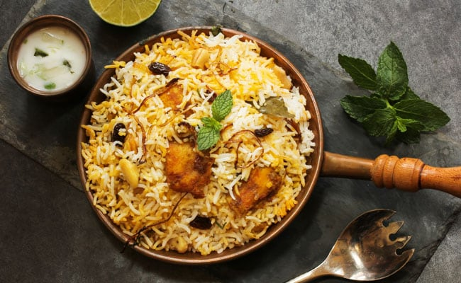 Lockdown Chicken Biryani  with yoghurt Raita made of Cucumber, tomato and onions - portion for 1.