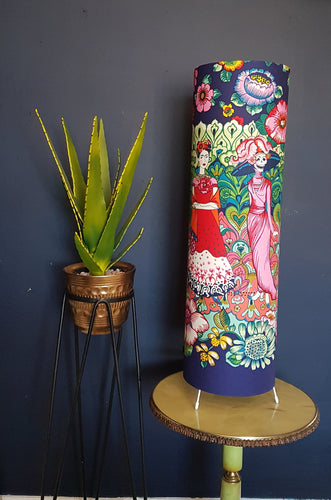 Frida Kahlo freestanding lamp in Dark Marine