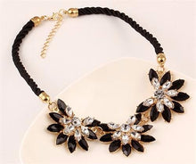 Load image into Gallery viewer, Flower Choker Necklace For Women
