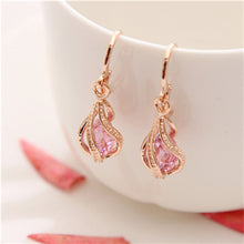 Load image into Gallery viewer, Beautiful Cubic Zirconia Drop Earrings