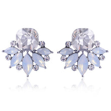 Load image into Gallery viewer, Beautiful Multiple Colors Crystal Flower Stud Earring