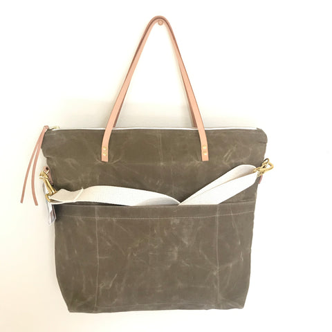 Waxed Canvas Daytripper Bag - Mushroom