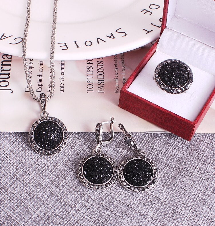 Fashion Chokers Necklace Luxury Black Crystal Round Jewelry Set