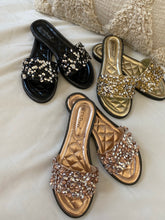 Load image into Gallery viewer, Musthave Sandals Gold