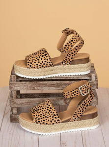 The Topic Sandals - Leopard