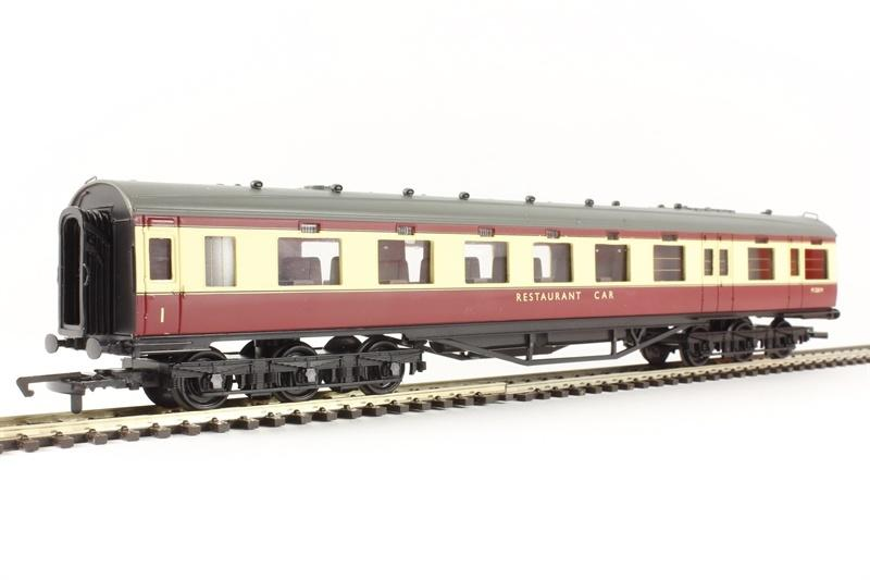 Hornby R4188C BR (ex LMS) 68' Restaurant Car - BR Blood and Custard