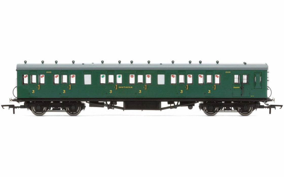 Hornby R4793 SR 58' Maunsell Rebuilt Ex-LSWR 48' Six Compartment Brake Third Coach '2628' SR Green