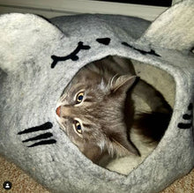 Load image into Gallery viewer, SLEEPY MOUSE Cat Cave Bed - LARGE Wool Cat House