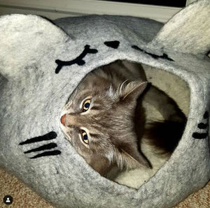 SLEEPY MOUSE Cat Cave Bed - LARGE Wool Cat House
