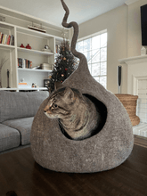 Load image into Gallery viewer, wool-cat-house