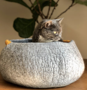 beautiful high quality wool cat bed