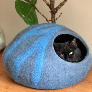 MOONLESS NIGHT Cat Cave Bed - LARGE