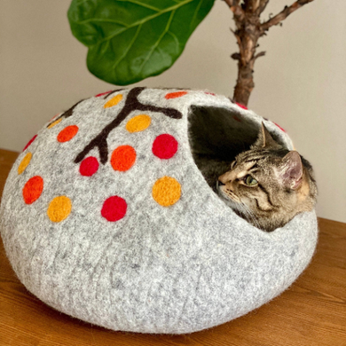 FALL IN NEW YORK Wool Cat Cave | Cat Bed