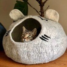 Load image into Gallery viewer, Large wool cat cave cat bed house