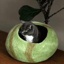 Load image into Gallery viewer, handmade natural wool cat bed