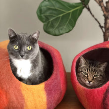 Load image into Gallery viewer, Wool Cat Cave Bed House red orange