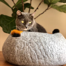 Load image into Gallery viewer, Large Wool Cat/Dog Basket - Gray