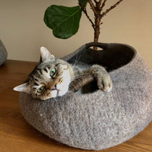 Load image into Gallery viewer, Large Wool Cat Basket | Cat Bed - Brown