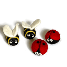Load image into Gallery viewer, needle-felted-bee
